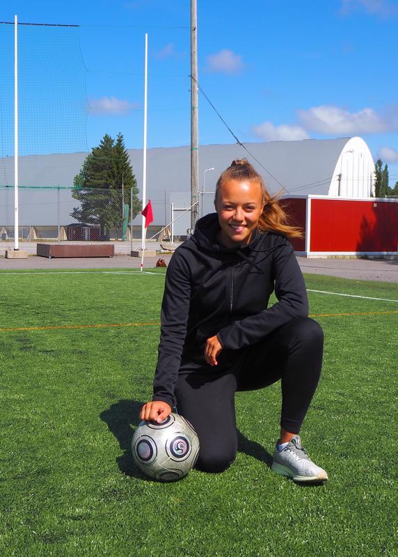 Ahtisen mielestä paikalliset esikuvat ovat nuorille pelaajille tärkeitä.