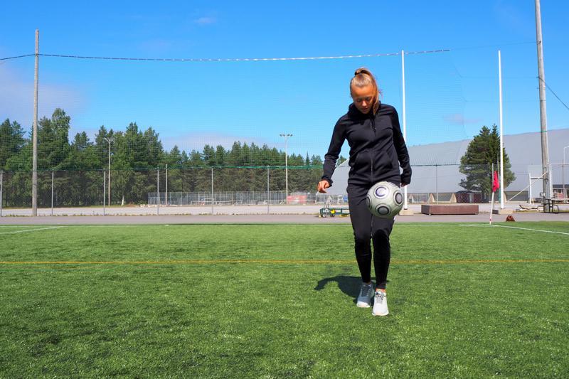 Olga Ahtinen siirtyy pelaamaan Tanskan liigasta Ruotsin naisten pääsarjaan.