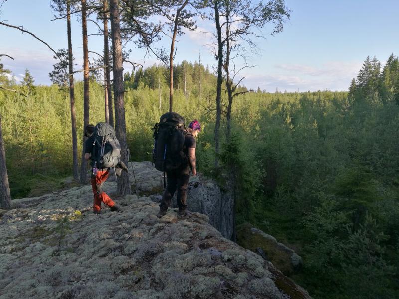 Holmin vaellusreitti on monipuolinen maastoltaan.