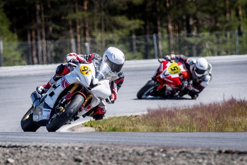 Aleksi Linna ajaa Superstock 600-luokassa ensimmäistä kautta.