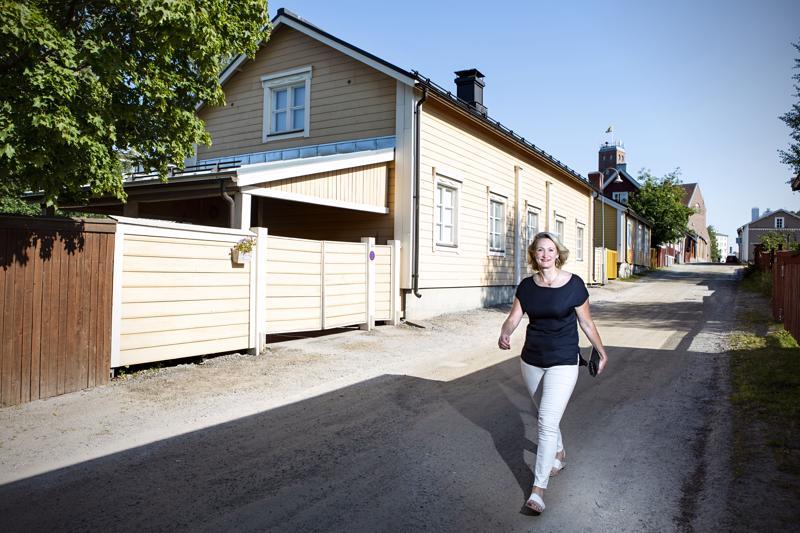 Tarja Wist asui suurimman osan Pietarsaaren-vuosistaan Satamakadulla, joka sijaitsee Skatan puukaupunginosassa.
