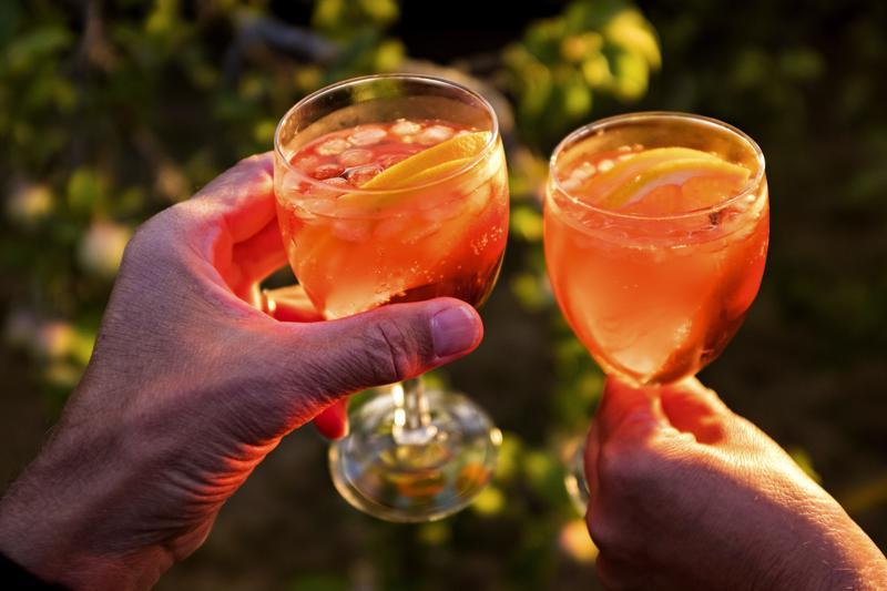Kuntien päihdepalveluissa työskentelevät arvelivat, että loman aikainen alkoholiputki katkaistaan ensitöikseen työterveydessä.