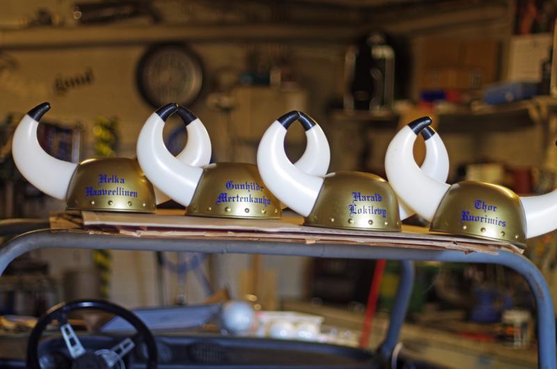 Tiimin kypärät saattavat vielä kokea muodonmuutoksen, jos sarvet päätetäänkin liittää suojaavampiin kypäriin.