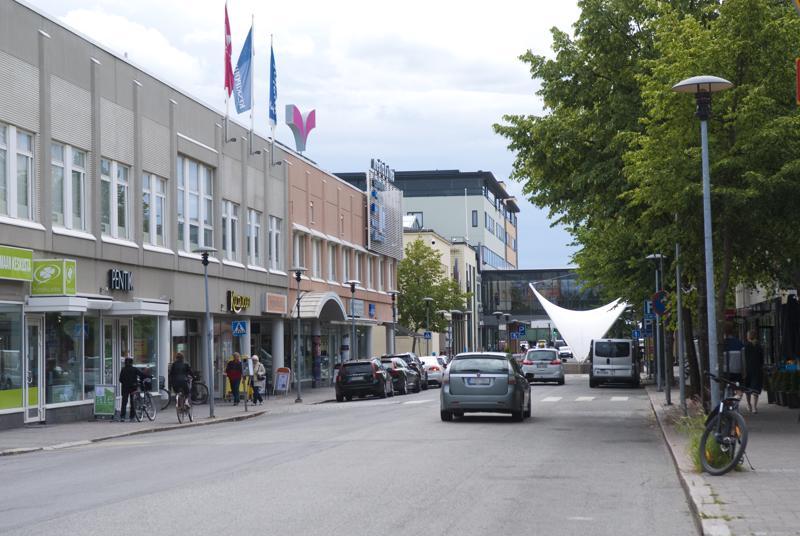 Rantakadun remontti käynnistyy maanantaina. Rantakatu Pitkänsillankadun ja Purje-lavan välillä suljetaan liikenteeltä.