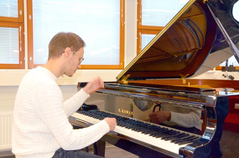 Matti Pohjoisaho on opiskellut viime vuoden pianonsoittoa Centriassa.