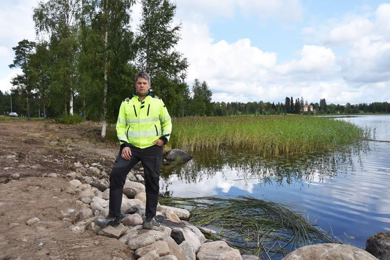 Kylpyläsaaren itäpuoliskon ranta ruopataan vielä tänä syksynä, kertoo HaU:n puheenjohtaja Juha Aho.