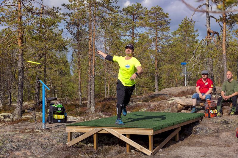 Jarno Nahkala lähti toiselle kierrokselle seitsemän alle radan ihannetuloksen.