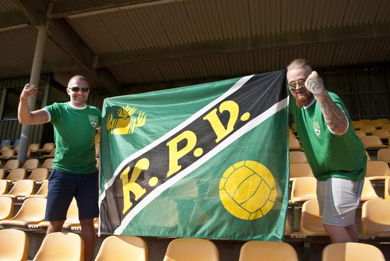 –Fanit seisovat joukkueen takana loppuun asti, kävi miten kävi, vakuuttavat Kennet Granlund ja Niklas Finell.