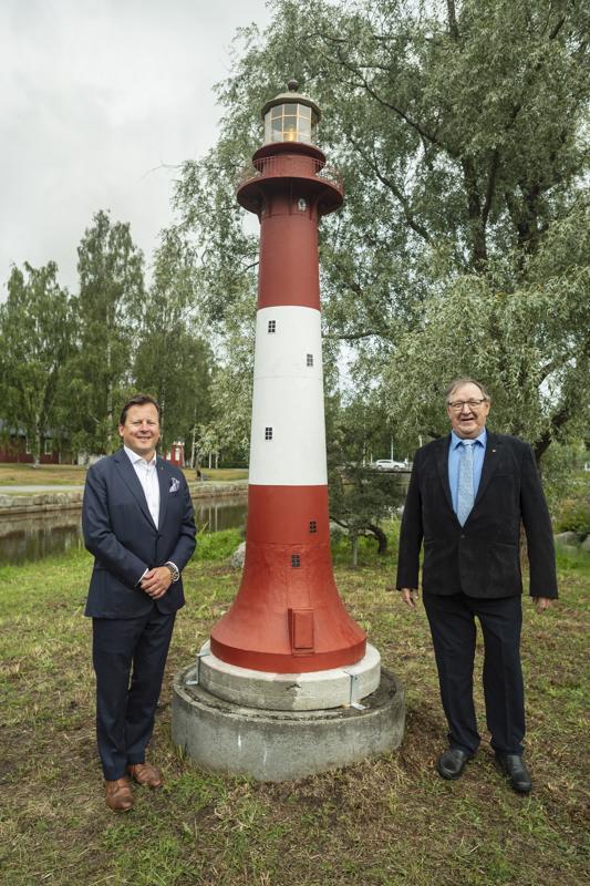 Isä ja poika. Janne ja Esko Ylinen.