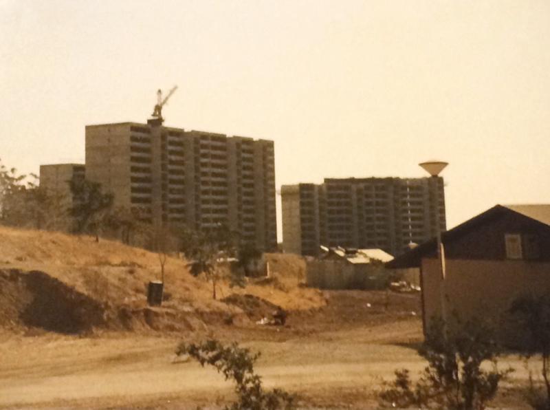 Iranissa Saarenpää  oli rakentamassa šaahi Mohammad Reza Pahlavin kommandojoukoille kerrostaloja.