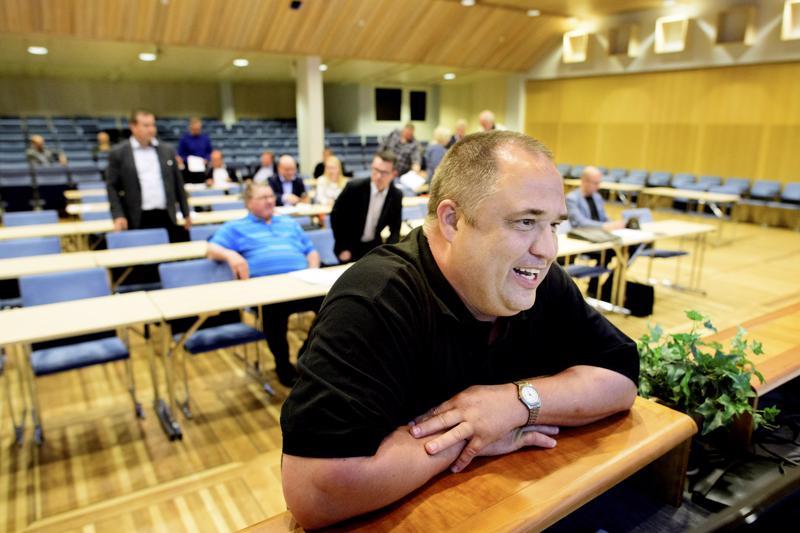 Kokkolan kaupunginhallituksen puheenjohtajan Reino Herlevin (kesk.) mukaan kaupunginhallitus on ollut tyytyväinen yhdessä sovittuihin pelisääntöihin.