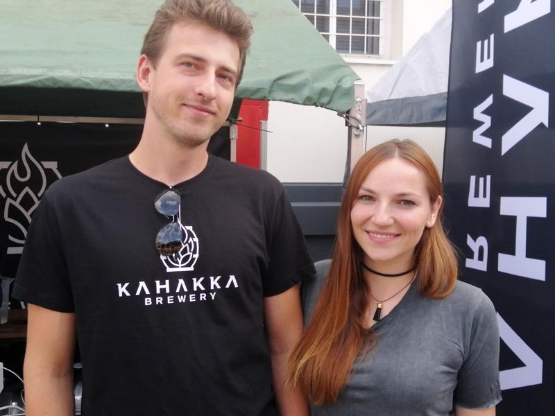 Jakub tuli tyttöystävänsä Angelikan kanssa pistäytymään Kokkolassa Kahakka olutfestivaalin takia.