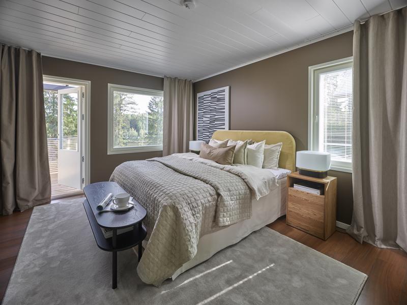 Airon Haave -kohteen makuuhuone on rauhallinen kokonaisuus.