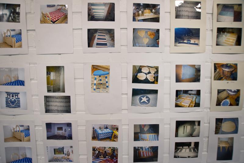 """Tuula """"Mizza"""" Hautalan näyttelystä löytyy myös paljon valokuvia hänen tekemistään töistä."""