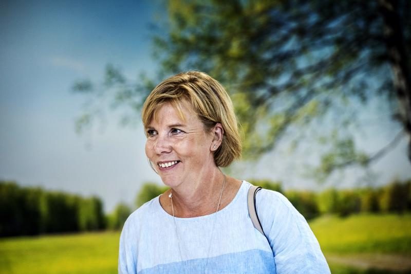 Yliopistojen ja ammattikorkeakoulujen rahoitukseen suunnitellut korotukset tulee toteuttaa ensi vuoden budjetissa, RKP:n eduskuntaryhmä vaatii kesäkokouksessaan Pietarsaaressa. Puheenjohtaja Anna-Maja Henriksson yllättyi VM:n budjettiehdotuksesta.