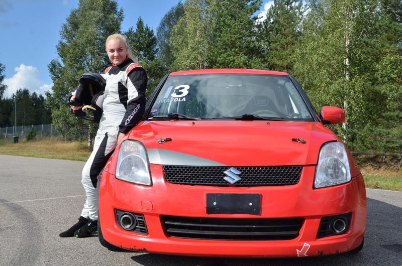 Jemina Paavola on aloitti moottoriurheilun kartingin parissa 3-vuotiaana.