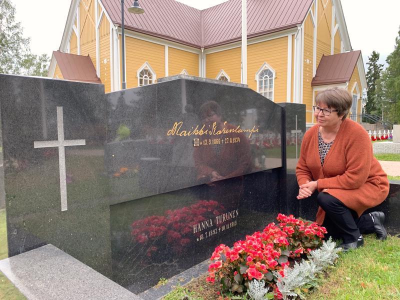 Lääninrovasti Jaana Marjanen pitää suuressa arvossa sukulaisensa Maikki Kärenlammen elämäntyötä. Kärenlampi oli henkilö, johon hän olisi halunnut tutustua.