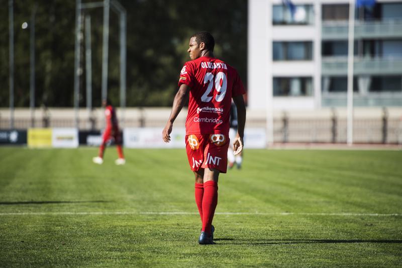 Vaihdosta kentälle tullut Anthony Olusanya jäi tehoitta lauantaina.