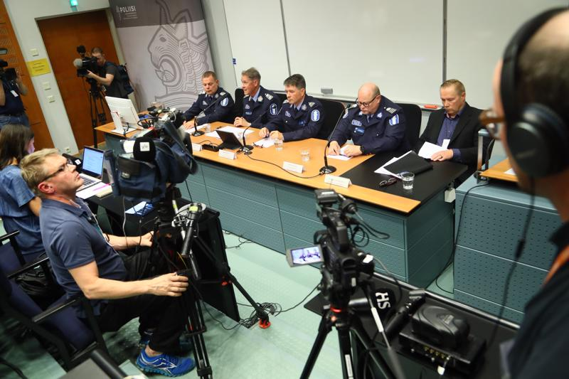 Poliisi järjesti tiedotustilaisuuden Porvoon ampumistapauksesta sunnuntai-iltana Vantaalla.