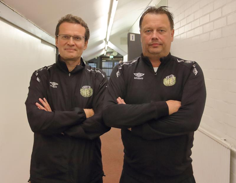 JBK joukkueenjohtaja Jari Jakobsson sekä juniorivalmentaja Lars Sandvik tekevät näkymätöntä, mutta arvokasta työtä.