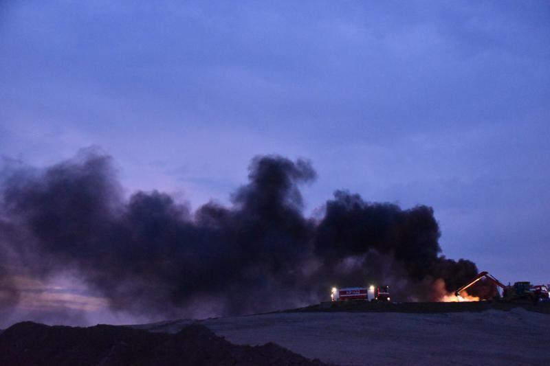 Palava rengaskasa tupruaa vaarallista savua