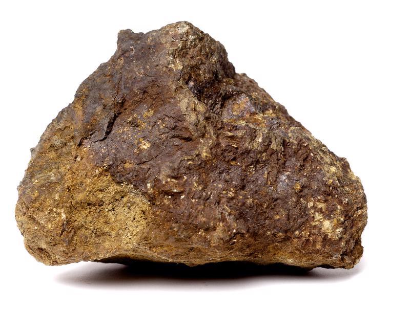 Nikkeliä etsitään jälleen Nivalasta ja ympäristökunnista. Kuvassa nikkelimalmikivi sotavuosina toimintansa aloittaneesta ja sittemmin hylätystä Makolan kaivoksesta Nivalassa.