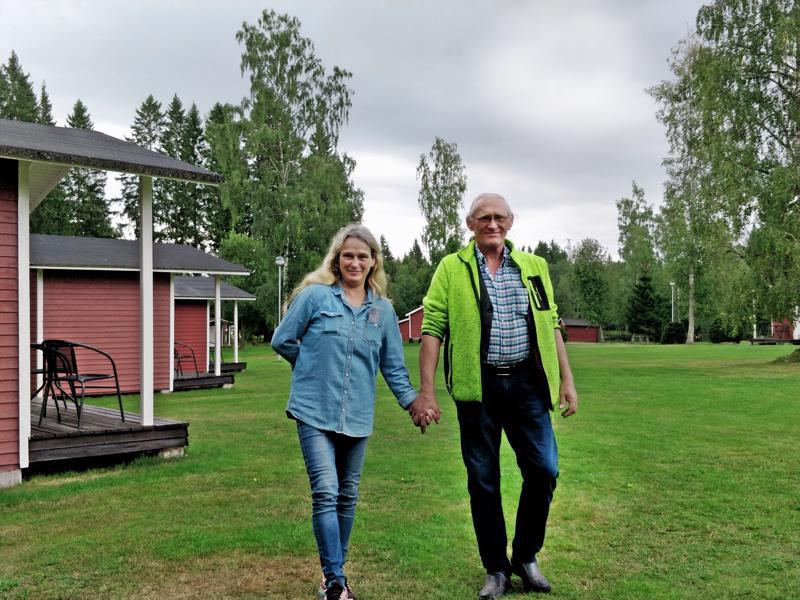 Monika ja Christer Åström tapasivat toisensa kolme vuotta sitten - leirintäalueella - kuinkas muutenkaan.