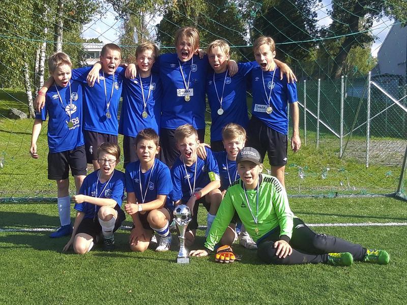 FC Folkin P12-joukkue otti historiallisen voiton himoitussa Eremenko Cupissa Pietarsaaressa.