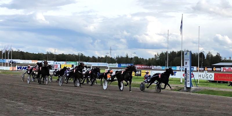 Backward's Boy (nro 11) ja Mauri Jaara olivat jälleen voittamaton valjakko Äimäraution raviradalla. Ruuna ravasi uuteen ennätykseensä 13,5.