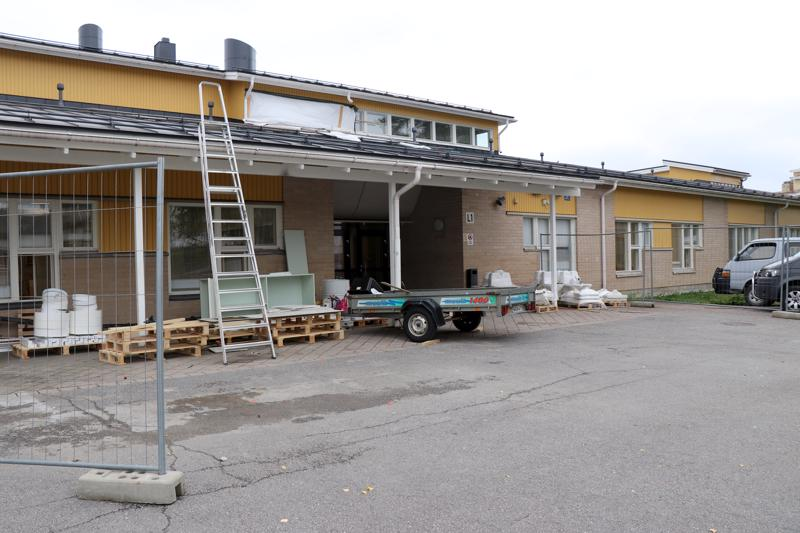 Viime vuonna aloitetun lukiorakennuksen remontin on määrä valmistua tänä syksynä siten, että oppilaat pääsevät palaamaan tiloihin syysloman jälkeen.