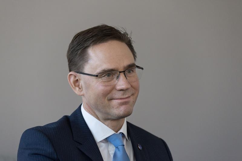 Pitkänlinjan kokoomuslainen poliitikko Jyrki Katainen oli Sitran hallituksen suosikki laitoksen johtoon.