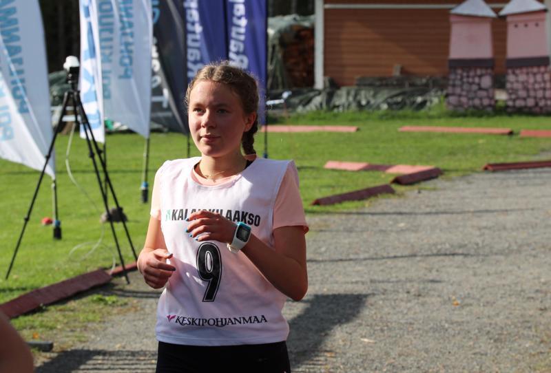 Enni-Sofia Saari otti neljännen cup-voittonsa tyttöjen sarjassa.