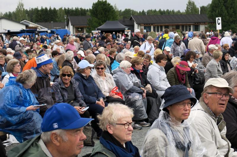 Nivalan herättäjäjuhlat keräsivät kävijöiltään ja some-seuraajiltaan paljon positiivista palautetta.