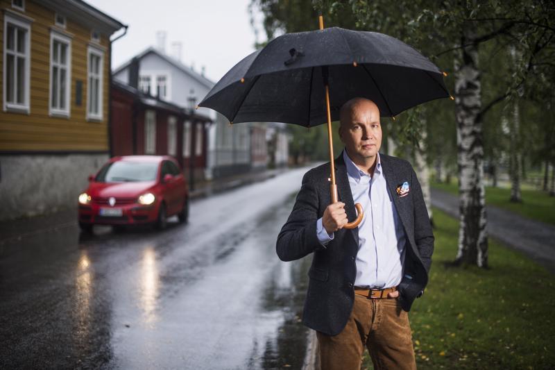 Leijonan luolasta tuttu Kim Väisänen on humoristi ja herrasmies.