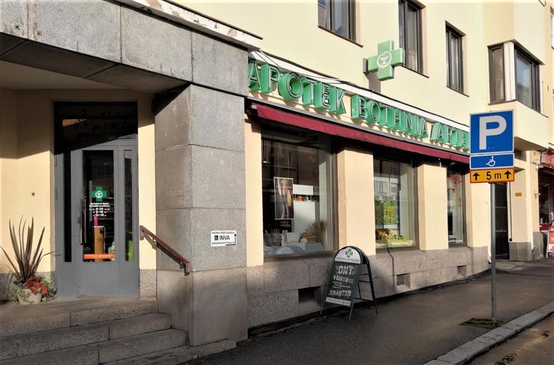 Pietarsaarelainen Bothnia Apteekki on yksi ensimmäisistä Olo-apteekkiketjun jäsenistä. Myös Pännäisten sivuapteekki liittyy ketjuun.