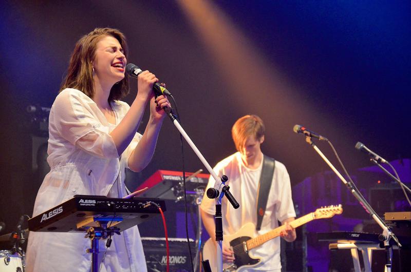 Hullu Elämän ja Sofia Voltin laulutulkintaa kuultiin tämän vuoden Sun Pampasissa.