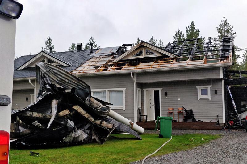 Pedersöressä Peiponkujalla sijaitsevan paritalon toinen huoneisto vaurioitui pahoin tulipalossa.