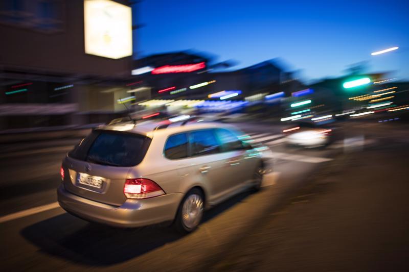 Terveydentila ratkaisee pitkälti sen, saako ajokorttiin lisäaikaa vai ei. Vanhemmiten heikentyvä näkö on yksi tärkeimmistä lääkärintarkastuksessa tarkasteltavista osa-alueista.
