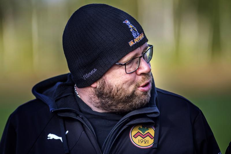 Valmentaja Magnus Slotte muistutti, että tappiosta huolimatta sarjapaikka on edelleen IK Myranin omissa käsissä.