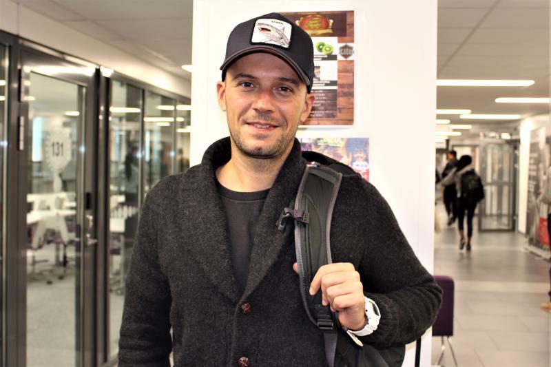 Espanjasta Suomeen tullut vaihto-opiskelija Mikel Diez Pérez ei pidä Suomessa pidempäänkin asumista poissuljettuna vaihtoehtona.