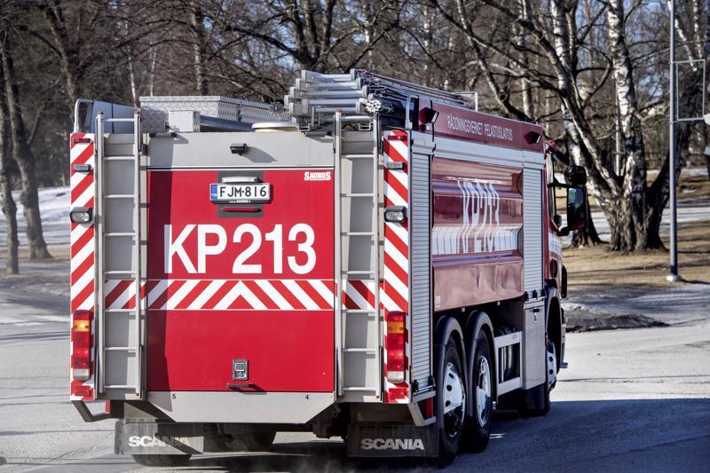 Pitkään syvällä maaperässä kytevät maastopalot ovat pitäneet kiireisenä palomiehiä.