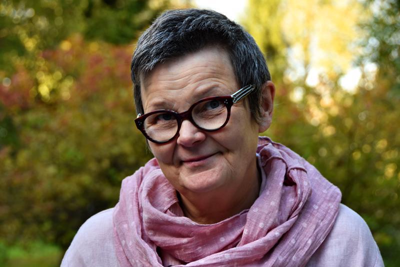Kirjoittaja on lastentarhanopettaja, nykyisin eläkkeellä oleva elämänkoululainen.