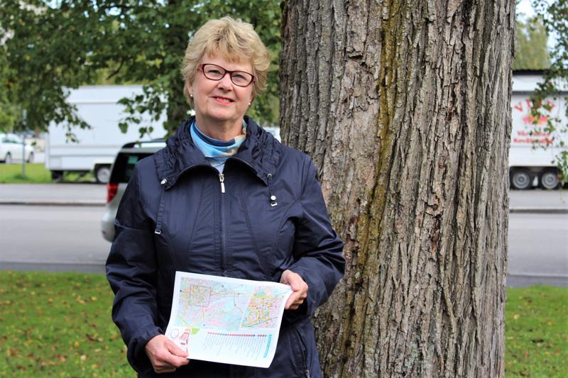 Pietarsaarelainen Gun Snellman on ollut mukana Pietarsaaren seudun oppaat -yhdistyksessä jo yli 38 vuotta.