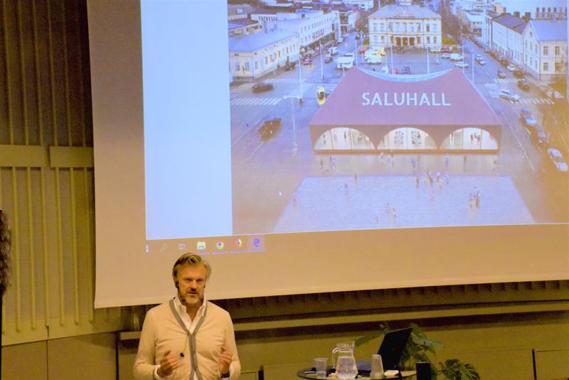 Arkkitehti Thomas Sandellin ratkaisu Pietarsaaren torin autiuteen oli kauppahalli  – vaikka vain koeversiona.