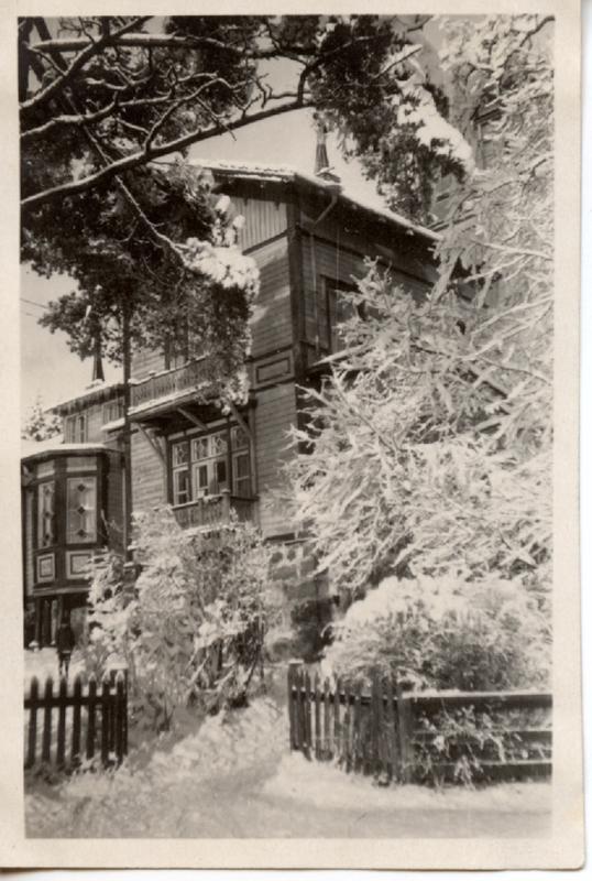 Villa Toivola oli suuri rakennus, joka kiehtoi lapsia.