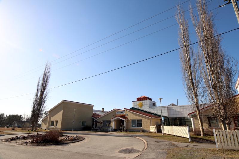 Harjukodilla on sekä senioriasuntoja että tehostetun palveluasumisen paikkoja. Talossa toimii myös Perhonjokilaakson kotihoidon Vetelin tiimi.