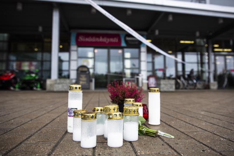 Kuopiossa nuoren tekemä  väkivallanteko on herättynyt jälleen keskustelua mielenterveyspalveluista. Tässä kirjoituksessa eräs keskipohjalaisäiti pelkää lapsensa tekevän jotain vastaavaa.