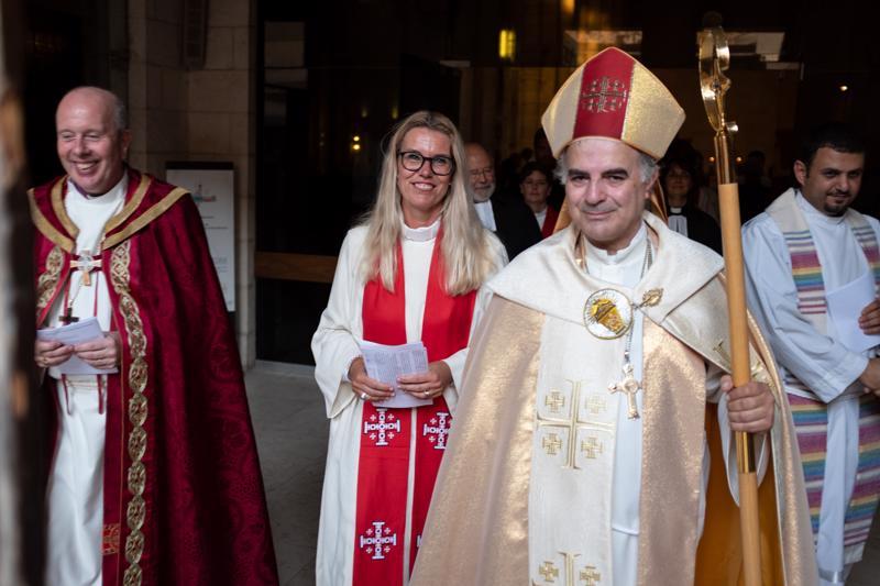 Vihkimisen suoritti piispa Sani Ibrahim Azar Jerusalemista.