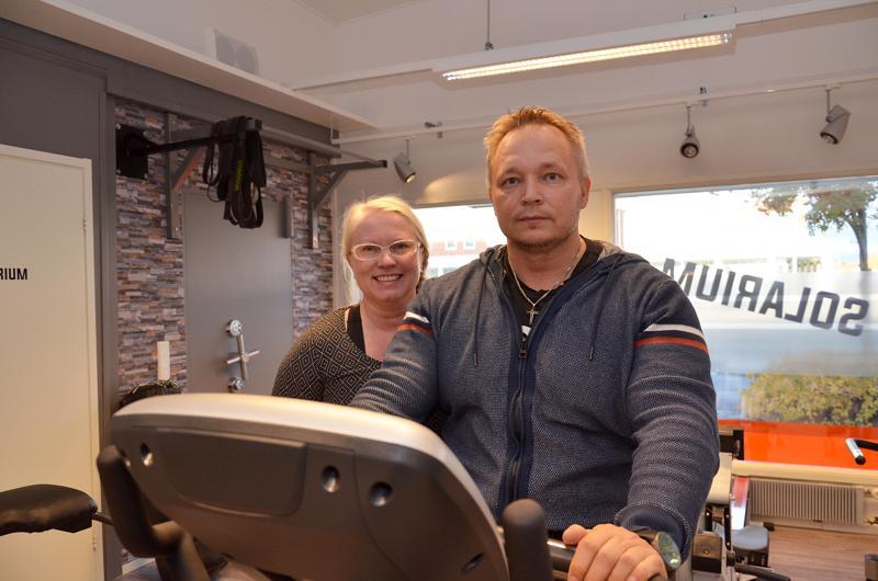 Lilli ja Pasi Kumpulainen päättivät jatkaa kuntosaliyrityksen pyörittämistä, kun uudet tilat löytyivät. Ennen kuin uudet tilat löytyivät, pohdittiin tarkoin, aiotaanko kuntosaliyrittämistä jatkaa.