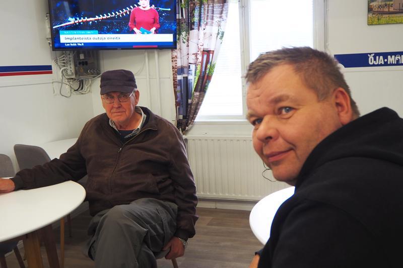 Olav Slotte ja Veli-Pekka Maunula viihtyvät meren äärellä ja rauhallisessa ympäristössä.
